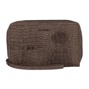 Burkely Croco Chloé Travel Wallet Zwart Voorkant