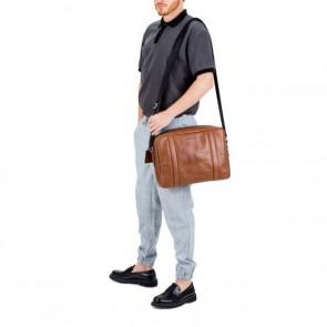 Burkely Leren Laptoptas Messenger 14 inch Suburb Seth Cognac Model
