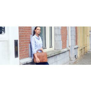 Plevier Urban Laptoptas / Sleeve 480 Cognac 14 inch Sfeer